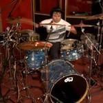 Perkusista... bez rąk!