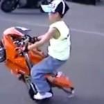 Ewolucje na dziecięcym motorze