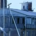 To miał być profesjonalny skok z dachu...