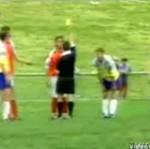 Piłkarz uderzył sędziego!