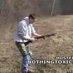 Broń kontra męskie krocze