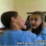 Dzieci uczone, by walczyć z Syrią
