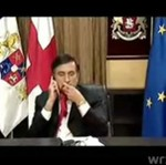 Prezydent Gruzji zjada krawat!