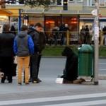 Styropianowa kukła żebrała w Szczecinie