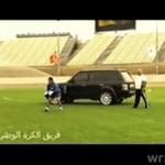 Trener powierzył bramkarzowi bezpieczeństwo swojego AUTA!