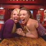 Kylie Minogue całuje Geri Haliwell!