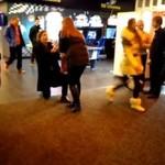 Oświadczył jej się w kinie