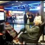 """Babcia gra w """"Gran Tourismo""""!"""