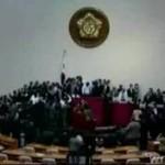 Zadyma w koreańskim parlamencie