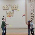 Czterech niewiarygodnie utaletowanych żonglerów