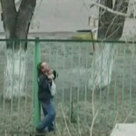 Dziecko ratuje pijaka - ROSJA