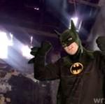 Batman przemówił! A właściwie zaśpiewał...