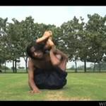 Człowiek - guma z Indii! DOBRY NUMER!