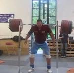 Podniósł 290 kilogramów... BEZ POMOCY RĄK!