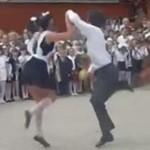 Ludowy taniec na rosyjskiej imprezie