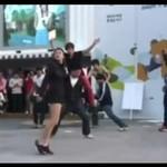Zbiorowy taniec do dubstepu - WOW!