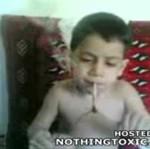 Irański dziewięciolatek pali opium!