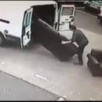 Zuchwała (prawie) kradzież sof