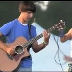 Niewiarygodnie uzdolniony szkolny gitarzysta - WOW!