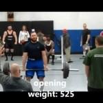 Próbował podnieść... 600 kilo!
