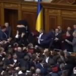 Bójka w ukraińskim parlamencie