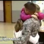 Amerykański żołnierz wraca na Święta do domu