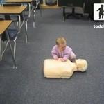 Dziecko uczy się ratować ludzi!