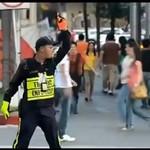 Policjant tańczy jak Michael Jackson