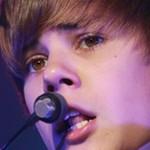 Justin Bieber OBERWAŁ butelką w głowę!