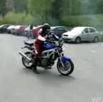 Zarył w samochód!