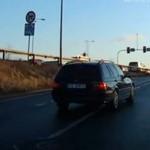 Idiota z BMW omija przepisy