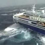 Statek dostał się w oko cyklonu