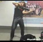 Niesamowity uliczny skrzypek!