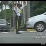 Tańczył na środku ulicy