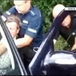 Policja zmaga się z rolnikiem