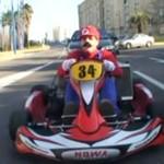 """Remi Gaillard w pojeździe """"Super Mario""""!"""