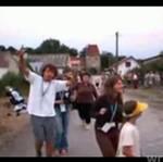 """""""Chrześcijanin tańczy"""" na wiosce"""