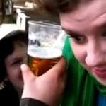 Dziewczyna wypiła piwo... UCHEM!