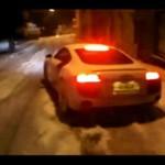 Zimowy poślizg drogą furą