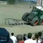 Nieudany pokaz na traktorze - AUĆ!