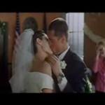 Pocałunek ślubny Angeliny i Brada