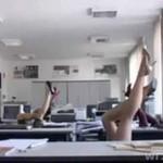 Seksowny taniec w biurze!