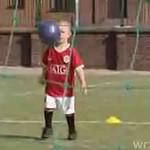Genialny trzylatek - mistrz piłki nożnej!
