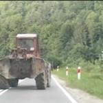 O traktorze, który jeździł slalomem...