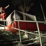 Ekstremalny snowboard - skoki z dachu!