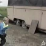 Bardzo groźny karateka kontra KOGUT