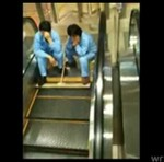 Mycie ruchomych schodów