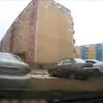 Rosjanin wyjeżdża z osiedla