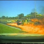 Potworny wypadek podczas zawodów - auto w płomieniach!