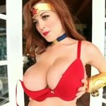 Tessa - ruda królowa piersi (18+)
